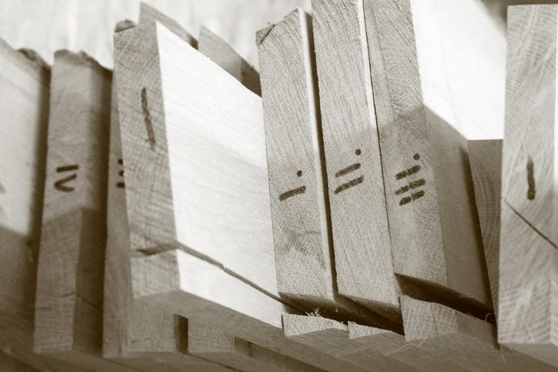 sorted sawn oak boards